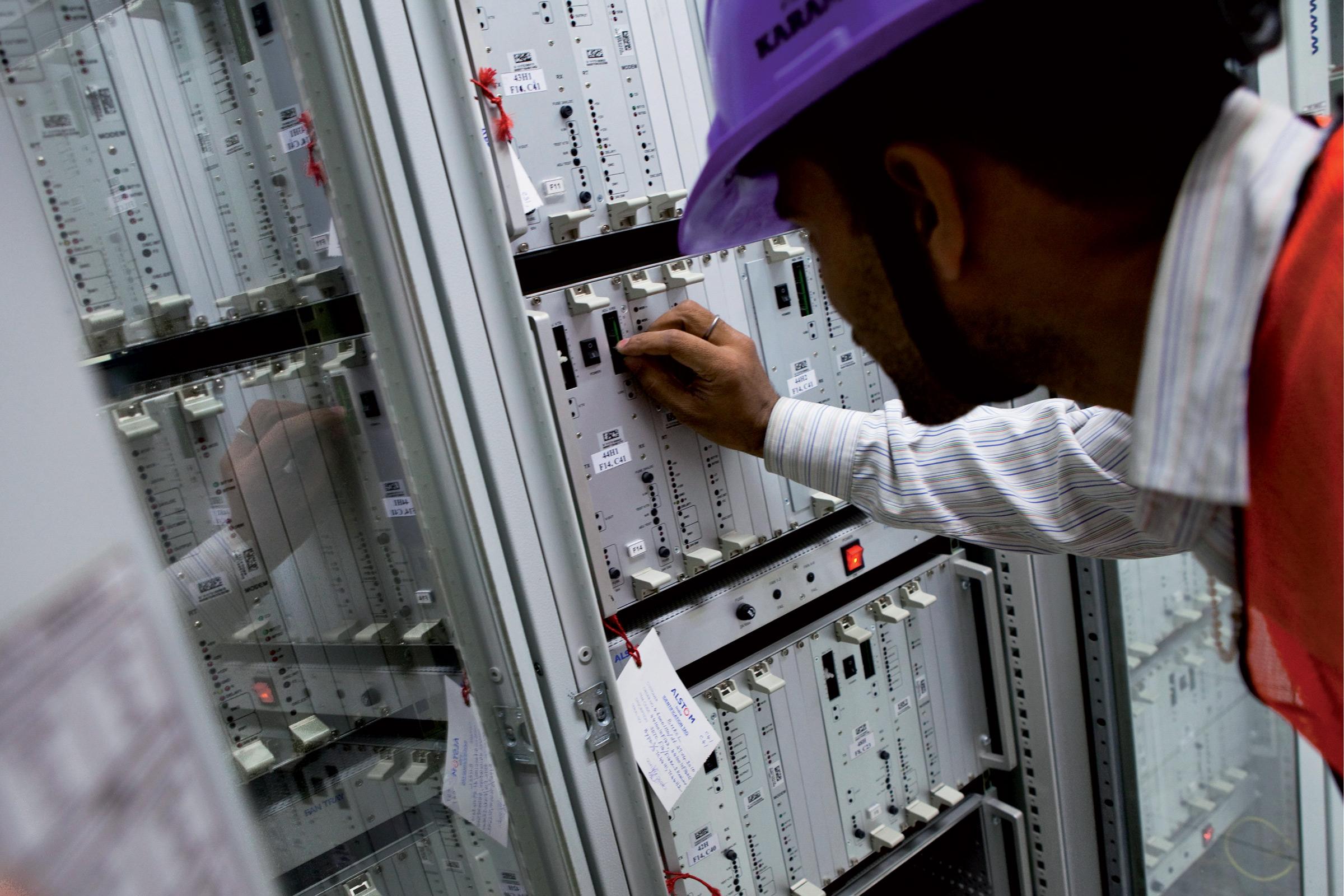 Signaling room connectors